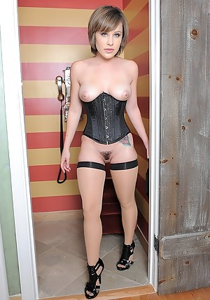 Sexy Teen Corset Porn Pictures