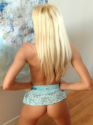 Sexy Blonde Teen Porn Pictures